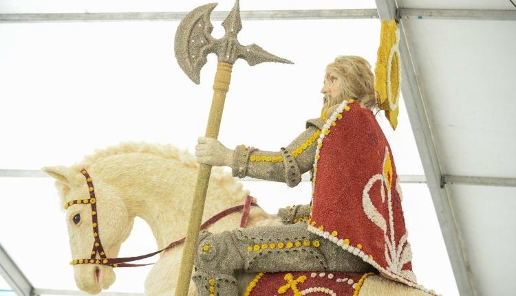 """Szent László király is """"elzarándokol"""" a csíksomlyói pápalátogatásra"""
