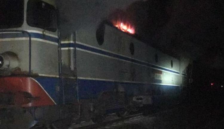 Égett a Bukarest-Temesvár járat mozdonyvezetőjének keze alatt a munka. Szó szerint