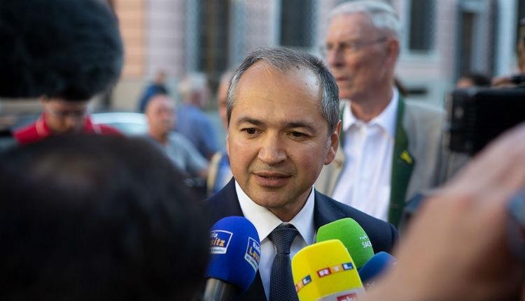 Még sehol sincsenek az önkormányzati választások, de eggyel több román polgármester van
