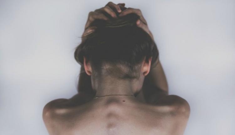 Ortodox dékánhelyettes: jó lehetett a nőnek is, ha teherbe esett, miután megerőszakolták