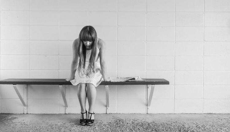 A román fiatalok majdnem fele legalább egyszer meg akart már halni