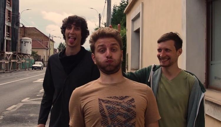 Klip-premier: tölts minőségi időt A Csajoddal! (VIDEÓval)
