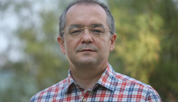 Emil Boc berágott a tanárokra, úgyhogy hirtelen eszébe jutott betiltani az osztálypénz intézményét