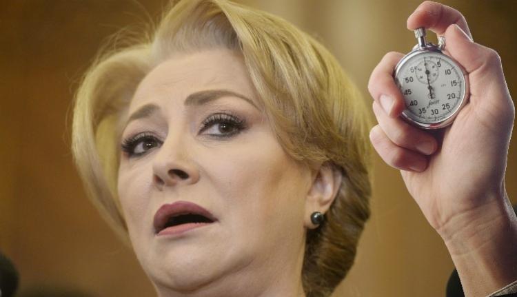 Az ellenzéknek nem volt kedve szombaton kormányt váltani, így Dăncilă kormánya nyert még egy kis időt
