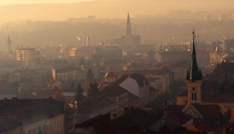 A túlzsúfoltság átka: Kolozsvár krónikus szálláshely-hiányban szenved