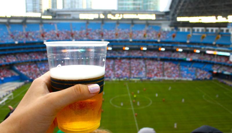 Ha ettől nem áll talpra a román foci, akkor semmitől: jöhet a szabad sörözés a stadionokban