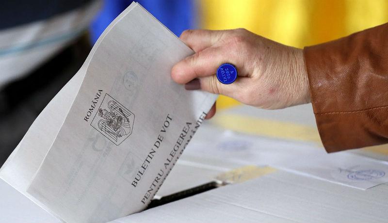 Bárki is nyeri az elnökválasztást, azzal biztosan nem dicsekedhet, hogy a magyarok masszív támogatásával győzött