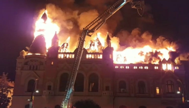 Két balek villanyszerelő okozhatta a tüzet a váradi görögkatolikus püspöki palotában