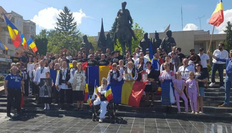 Román soviniszta vendégcsokor gyűlt össze egy kis Trianon-ünneplésre Sepsiszentgyörgyön