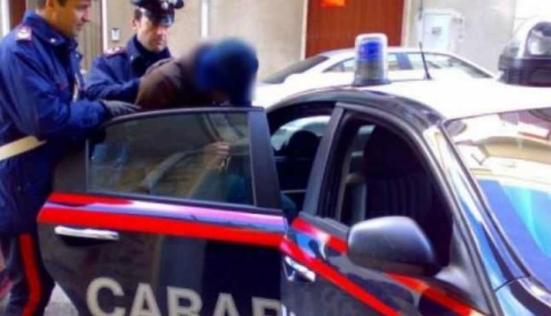 Pókemberjelmezben próbált kirabolni egy római fagyizót egy román férfi, de nem jött össze neki