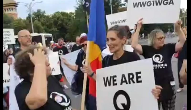 Vajon mit keres Romániában, és miért egyre népszerűbb a vírustagadó trumpisták hálózata?