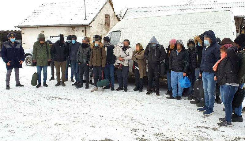 Népvándorlás: egy nap alatt több mint negyven migránst füleltek le a Bihar és Arad megyei határrendészek