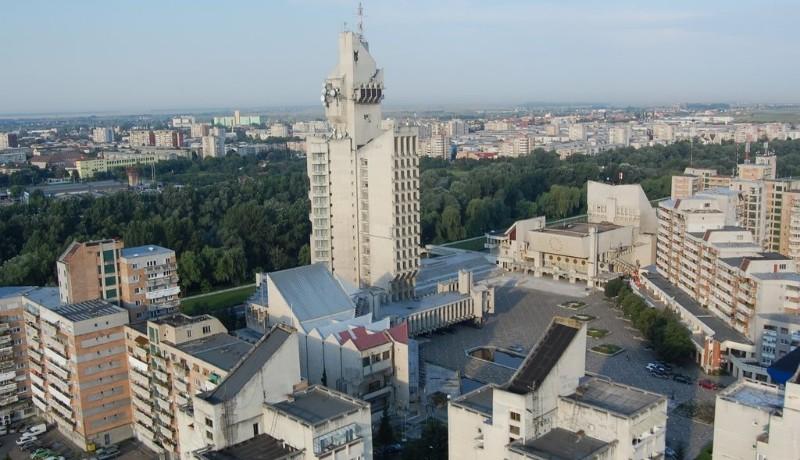 Váratlan fordulatok bonyolítják Szatmár legendásan ocsmány városközpontjának felújítását