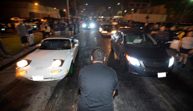 A húsvéti pihenésben megzavart rendőr még az illegális gyorsulási versenyt bejelentő polgármestert is elhajtotta