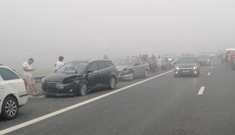 Minden balesetek anyja az A2-es autópályán: több mint ötven autó rohant egymásba