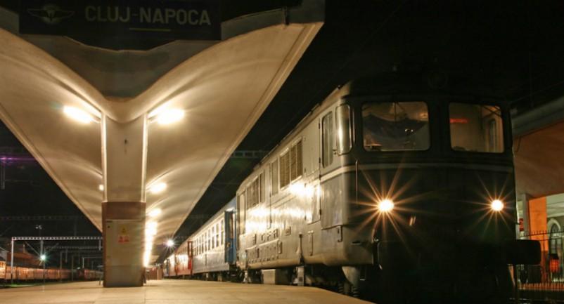 Ilyen nincs: a vonat, amely kilenc órát vesztegelt, újabb három órát állt mozdonyhiba miatt