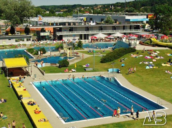 Luftbild Schwimmbad Mistelbach