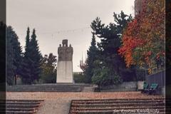 Pomnik 02