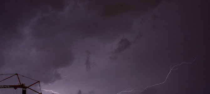 """""""Gewittermännchen"""" am Abendhimmel"""
