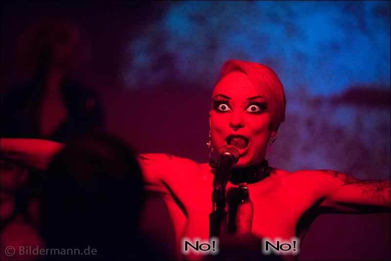"""Konzert """"Grausame Töchter"""", 25.04.2015, Reithalle, Dresden, Strasse E"""