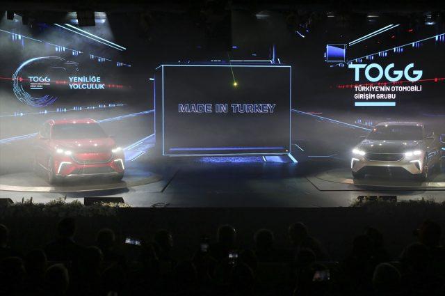 Türkiye'nin Otomobili Girişim Grubu'nun 2022 yılında üretimine başlayacağı, geliştirme süreci devam eden otomobilin ön gösterim versiyonu Türkiye ile buluştu. Türkiye'nin otomobilinden ilk fotoğraf geldi.