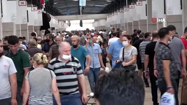 Bursa'da hurdalar modern pazarda satışa sunuluyor