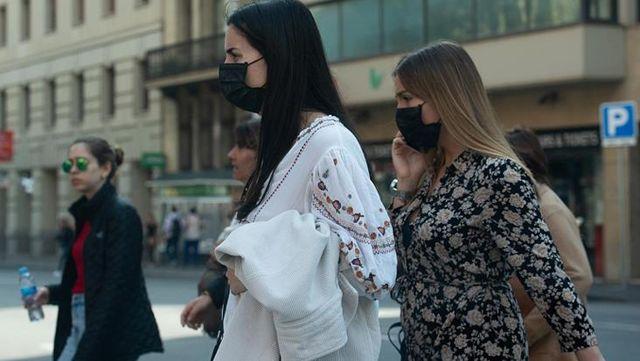 sokaga cikma kisitlamasi sayesinde ispanya da 13780575 8423 o - Sokağa çıkma kısıtlaması sayesinde İspanya'da vaka sayısı 1 ayda 25 binden 5 bine düştü