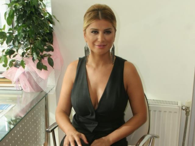 songul-karli-nin-super-mini-elbiseli-pozu-sosyal-13908386_4411_m Songül Karlı'nın süper mini elbiseli pozuna beğeni yağdı Magazin