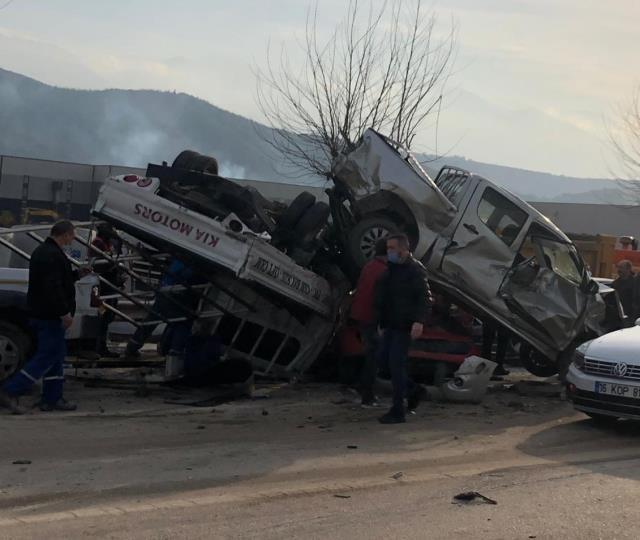 Bursa'da freni boşalan Tır, önünde seyreden araçları biçti: 3 ölü, 21 yaralı