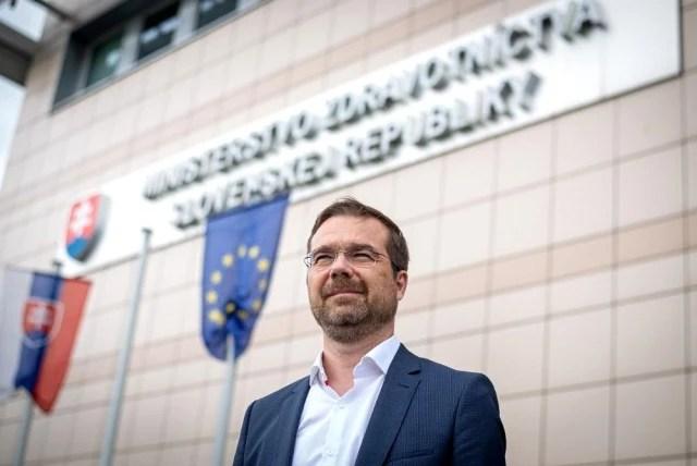 Slovakya Sağlık Bakanı Krajci'den Sputnik V aşısı istifası