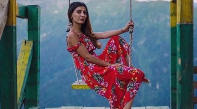 turkucu ceylan in kizi melodi estetikle bambaska 14043287 9299 m - Türkücü Ceylan'ın kızı Melodi'nin göz kamaştıran estetik değişimi!