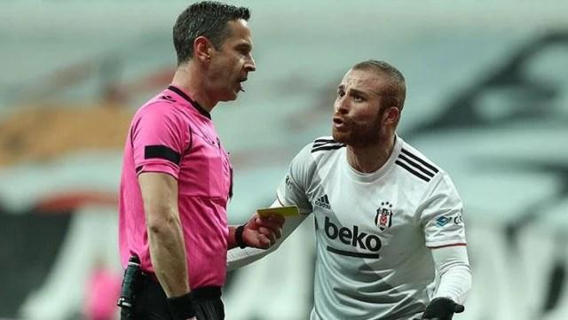 Penaltıya sebebiyet veren Gökhan Töre, otoparkta denk geldiği hakem Özkahya'ya sitem etti