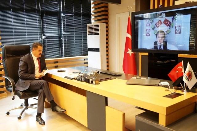Başkan Deveci makamını Meşhur'a telekonferansla devretti