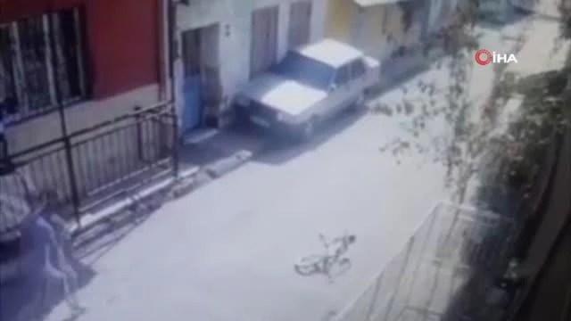 Son dakika haber | İzmir'de 8 yaşındaki çocuk tabancayla vuruldu: O anlar kamerada