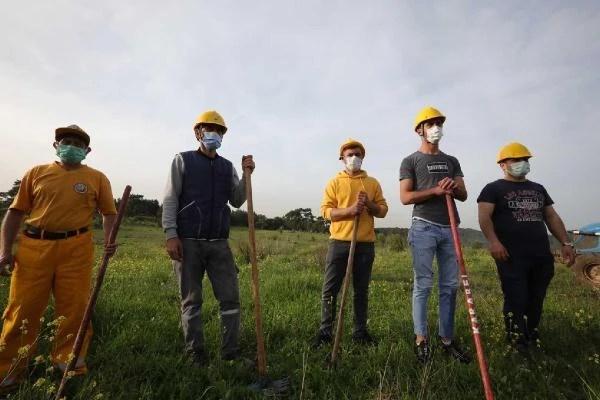 Orman yangınlarıyla mücadele gönüllülerine sertifika