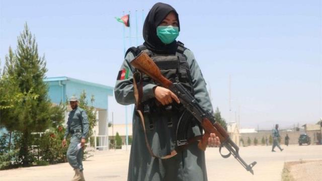 ABD ve Avrupa Birliği, Afganistan'da amirlerinin tecavüzüne uğrayan kadın polislerle ilgili soruşturma istedi
