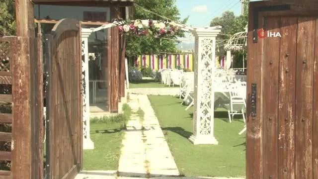 Düğün ve nikah sezonu açıldı, gelin adayları soluğu gelinlikçilerde aldı