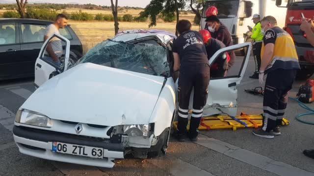 Trafik kazasında biri çocuk 3 kişi yaralandı