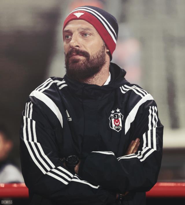 Ali Koç, hayal ettiği hocayı yarına kadar bitiremezse eski Beşiktaşlı Bilic'i duyuracak