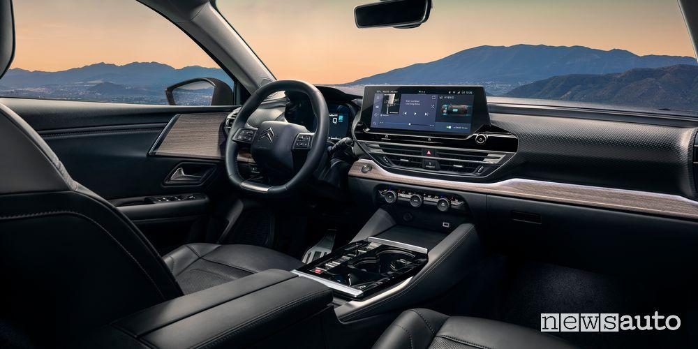 New Citroën C5 X ë-hybrid cockpit instrument panel