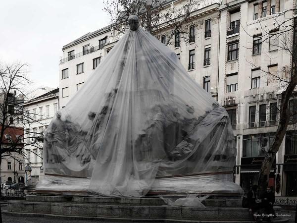 statue_20140214_grey1
