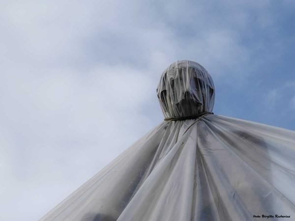 statue_20140214_grey2