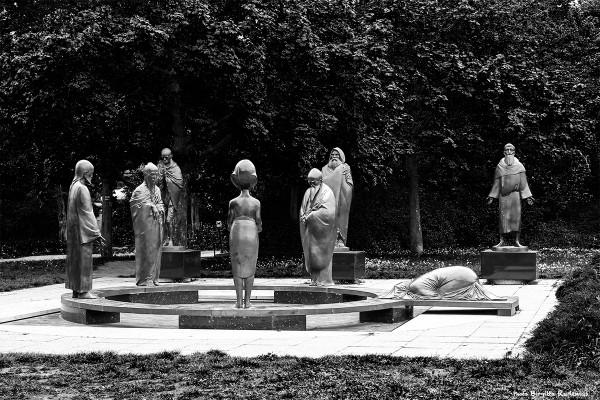 statue_20140424_philosophy