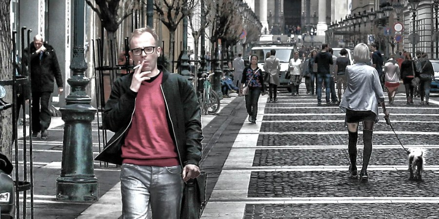 Smoker in the street