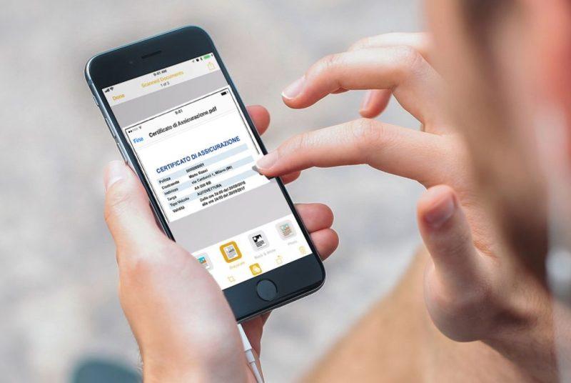 Il certificato di assicurazione può essere esibito anche in versione digitale dallo smartphone