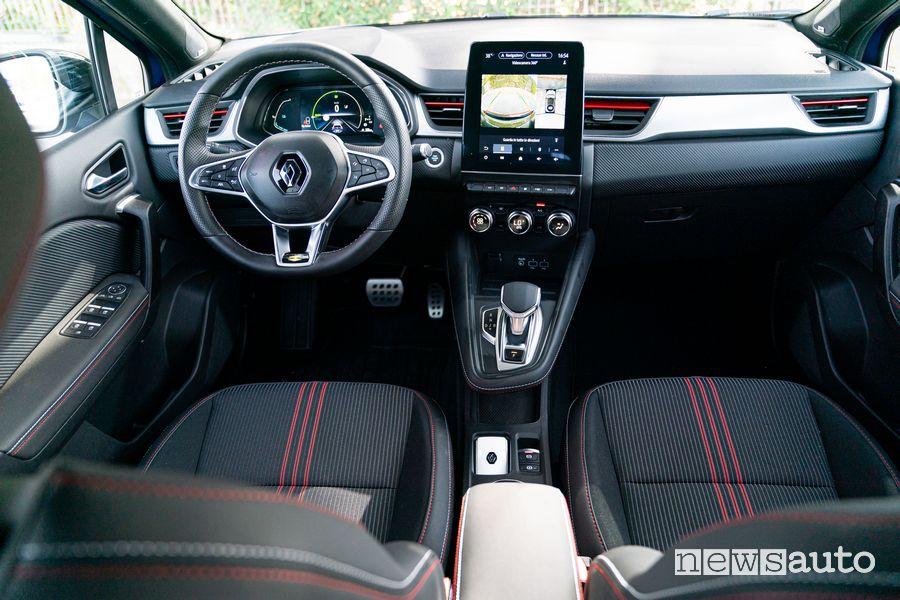 Renault Captur E-Tech Hybrid RS Line cockpit dashboard