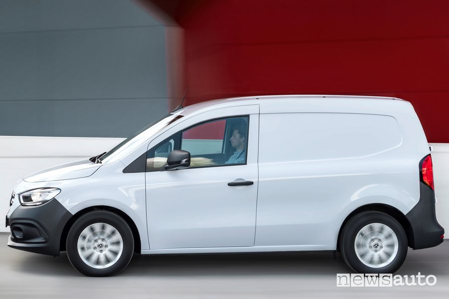 Side view of new Mercedes-Benz Citan on the road