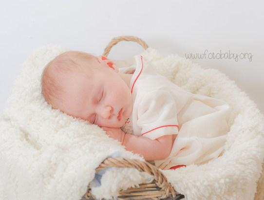 ¿Cuándo y cómo hacer un reportaje fotográfico especial de recién nacido? Algunas de las cuestiones más frecuentes, aquí las tenéis resueltas!