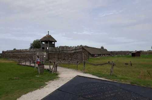 Biskupin rezerwat archeologiczny