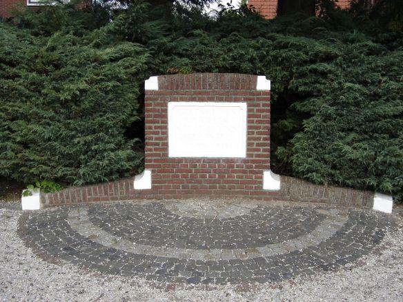 oorlogs monument (2010)